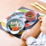 【ニュースリリース】テーブルの汚れを防ぐ全面弱粘着シート『しましまぐるぐる 貼りっぱなしお食事シート』を発売